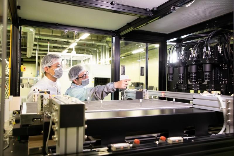 太陽能板產線智慧即時回饋檢測設備穩定性與檢測精確性已通過產線驗證。(國研院提供)