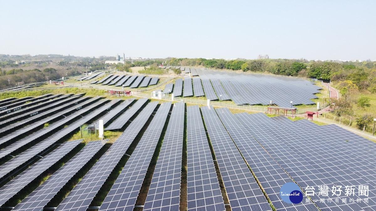 台中文山綠光計畫種太陽能板
